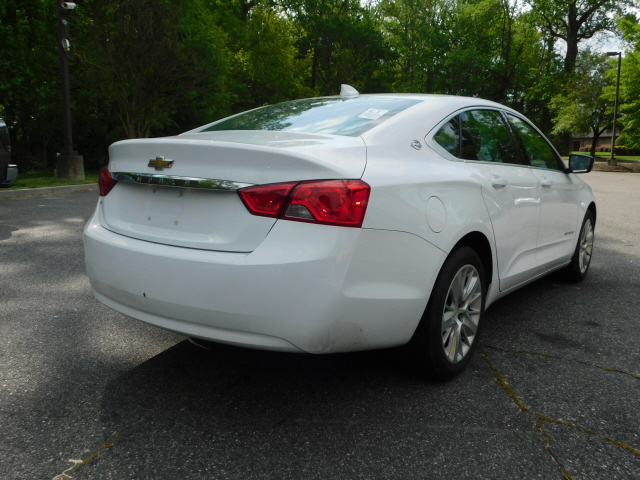 Pre-Owned 2017 Chevrolet Impala LS 1FL