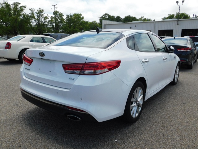 Certified Pre-Owned 2017 Kia Optima EX