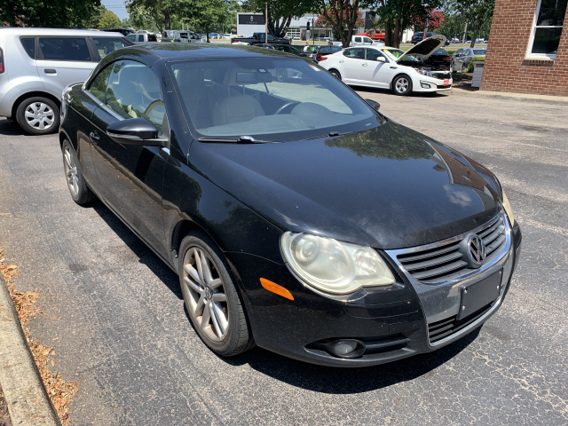 Pre-Owned 2009 Volkswagen Eos Lux